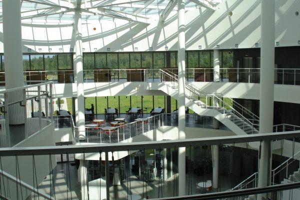 Reykjavik_University_Nauthólsvík_campus_-_Sun